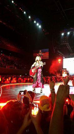 Madonna, 5 - 6 December 2015