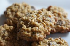 Chewy Oatmeal Chocolate Chip Cookies www.simplefoodhealthylife.com