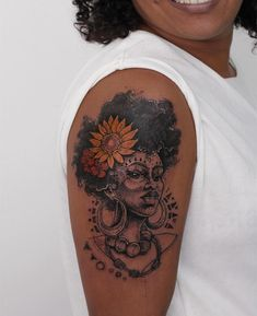 Tattoo em Pele Negra? 16 ideias para você – Tattoo2me Magazine Black People Tattoos, Dope Tattoos For Women, Black Girls With Tattoos, Black Tattoos, Black Girl Tattoo, Pretty Tattoos, Cute Tattoos, Beautiful Tattoos, Body Art Tattoos