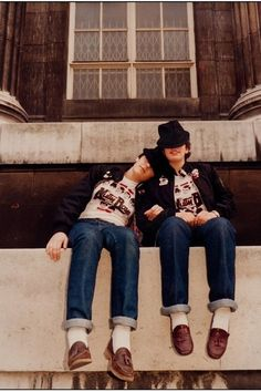 28 Pictures Of Women From London's Lost '80s Subcultures, Karyn and Sarah, at the British Museum, March 1981.
