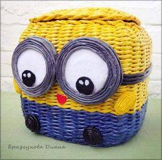 Ideas D la web Recycle Newspaper, Newspaper Crafts, Yarn Crafts, Felt Crafts, Diy And Crafts, Paper Weaving, Paper Basket, Diy Projects To Try, Wicker Baskets