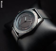 low key product photography - Google Search Low Key Photography, Object Photography, Product Photography, Smart Watch, Google Search, Accessories, Smartwatch, Jewelry Accessories