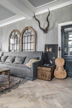 Find your favorite Minimalist living room photos here. Browse through images of inspiring Minimalist living room ideas to create your perfect home. Design Living Room, My Living Room, Home And Living, Living Room Furniture, Living Spaces, Simple Living, Grey Interior Design, Home Interior, Interior Decorating