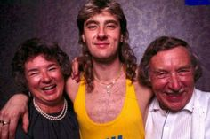 Joe and his proud parents. Great pic!