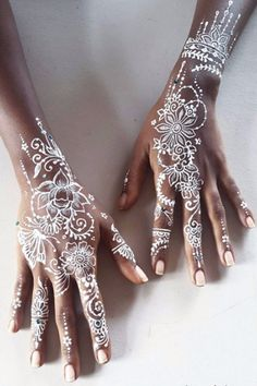 30 Delicate White Henna Designs That Are Completely Mesmerizing