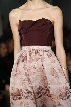See detail photos for Oscar de la Renta Fall 2016 Ready-to-Wear collection.