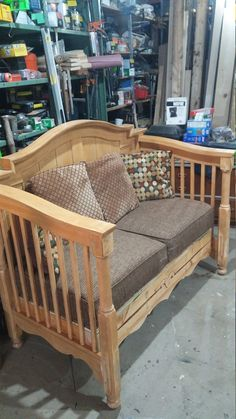 Baby Bed Bench, Crib Bench, Headboard Benches, Old Baby Cribs, Old Cribs, Furniture Projects, Furniture Makeover, Home Furniture, Diy Indoor Furniture