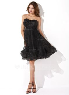 Empire Sweetheart Knee-Length Organza Homecoming Dress With Ruffle Flower(s) (022011180)