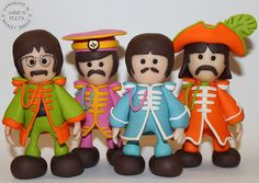The Beatles - Sgt: Pepper's Lonely Hearts Club Band porcelana fria pasta francesa masa flexible fimo fondant figurine modelado topper polymer clay Beatles Cake, The Beatles, Beatles Guitar, Polymer Clay Dolls, Polymer Clay Projects, Clay Clay, Pablo Picasso, Biscuit, Jumping Clay