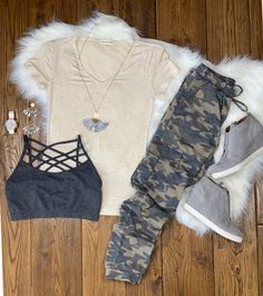 Camo Cargo Joggers: Light    #streetstyle #cozy #casualstyle #ootdfashion #style #ootd #springfashion #flannel #blogger #travel #vacationstyle #fashionlover #fashionblogger #summerstyle #boutiquefashion #womensfashionoutfit #summeroutfit #dress #layeringdress #casualstyle #casualfashion Winter Fashion Casual, Fall Winter Outfits, Summer Outfits, Beach Outfits, Camo Fashion, Fashion Outfits, Womens Fashion, Simple Outfits, Casual Outfits