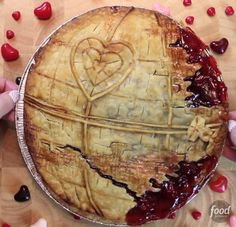 Want to surprise your Star Wars loving significant other for Valentine's day? Here's a fun video that will teach you how to make a Death Star-inspired love pie! Note: The media player b…