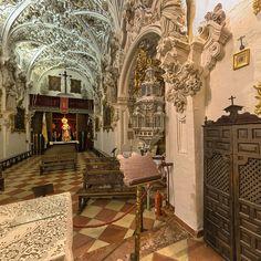 Iglesia de la Aurora.-Antigua ermita de San Nicasio, tiene su origen en el siglo XV, aunque las primeras noticias de ella se tienen en 1528.Reformada en el siglo XVIII por Juan de Dios Santaella.