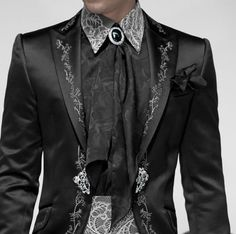 Dylan tux for alex welcome banquet also wearing a mask Steampunk Fashion, Gothic Fashion, Goth Guys, Gothic Mode, Mens Fashion Suits, Wedding Suits, Look Cool, Costume Design, Cool Outfits