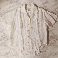 ⇢ shop update: vintage white linen button down shirt / womens linen top / boxy pocket top / m / l #vintage #vintageshop #conceptstore #linen #linentop #minimaliststyle #minminvintageshop