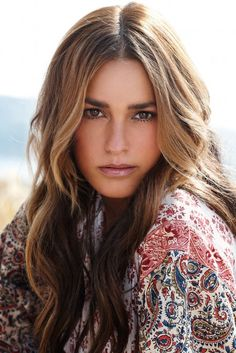 Yasmin Le Bon Biography and Images Gallery,British Celebrity,Model,Hd Wallpapers ,Images Gallery