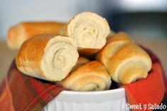 Pan Blandito is a type of soft bread roll popular in Colombia. Try this ultimate comfort food freshly baked with a bit of butter on top! Soft Bread Recipe, Bread Recipes, Cooking Recipes, Spinach Recipes, Pork Recipes, Cooking Tips, Pan Bread, Bread Baking, Filet Mignon Chorizo