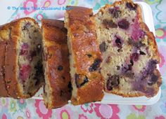 The more than occasional baker: Banana and Berry Loaf Four Seasons, Banana Bread, Berry, Food And Drink, Desserts, Recipes, Blueberry, Deserts, Food Recipes