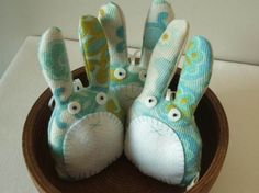 A great craft to make with your kids! I know I will do it w/ my daughter! http://www.inhabitots.com/lavender-rabbits-for-a-relaxing-easter-celebration/