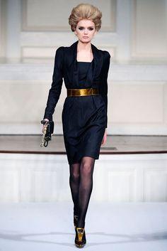 1016564b20d6 Oscar de la Renta Fall 2009 Ready-to-Wear Fashion Show - Lily Donaldson.  Carol Bales