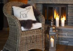 Stoler « Living.no Cottage, Inspirational, Throw Pillows, House Styles, Bed, Life, Cushions, Decorative Pillows, Cabin