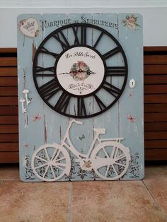 Vintage Home Decor Clock Art, Diy Clock, Decoupage Art, Decoupage Vintage, Shabby Chic Decor, Vintage Home Decor, Diy Pallet Projects, Wood Projects, Home Decor Furniture