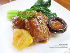 Thai Recipes, Pork Recipes, Low Carb Recipes, Food Dishes, Main Dishes, Authentic Thai Food, Thai Street Food, Fusion Food, Aesthetic Food