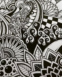 New art inspiration drawing sketches doodles simple Ideas Doodle Art Letters, Easy Doodle Art, Doodle Art Designs, Doodle Art Drawing, Doodle Art Journals, Drawing Sketches, Trippy Designs, Doodle Ideas, Drawing Drawing