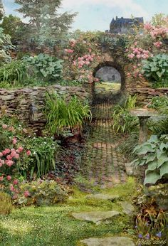 England has the most beautiful gardens - their climate and gardening traditions . - England has the most beautiful gardens – their climate and gardening traditions are the perfect c - My Secret Garden, Secret Gardens, Hidden Garden, Enchanted Garden, Garden Cottage, Garden Gates, Garden Beds, Garden Entrance, Witch's Garden