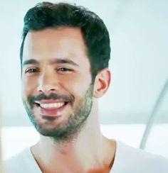 Barış Arduç Turkish Men, Turkish Actors, Elcin Sangu, Perfect Smile, Baby Daddy, Barista, Beautiful Actresses, Famous People, Eye Candy