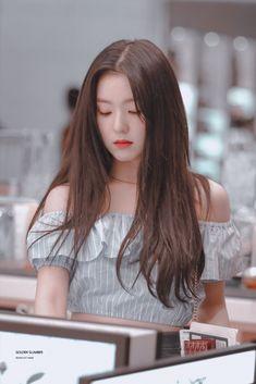 Seulgi, Red Velvet アイリーン, Red Velvet Irene, Kpop Girl Groups, Kpop Girls, Red Valvet, Beautiful Young Lady, Soyeon, Celebs