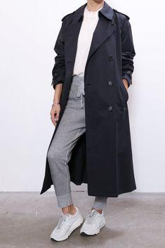 Black Fur Coat, Navy Trench Coat, Trench Coat Outfit, Trench Coat Style, Women's Trench Coats, Women's Coats, Parka Coat, Long Puffer Coat, Coats For Women