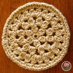 Crocheted coaster, Flower Power - © 2012 Toma Creations wp