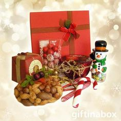 A traditional Christmas gift hamper filled with gourmet snacks. Traditional festive season gifts from the Gift in a Box online shop. Chocolate Sweets, Chocolate Bars, Gift Hampers, Gift Baskets, Christmas Traditions, Christmas Themes, Nuts In Shell, Traditional Christmas Gifts, Christmas Pudding