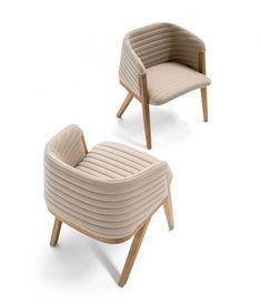 Mafalda Chair for Moroso Sofa Design, Furniture Design, Trendy Furniture, Hooker Furniture, Table And Chairs, Dining Chairs, Arm Chairs, Dining Table, Plank Table