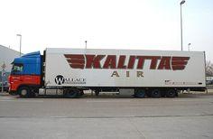 Kalitta Air Cargo truck
