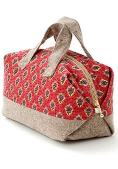 RETAIL ITEM, BUT CAN MAKE FROM HOMEMADE TOTE very nice duffle tutorial, must make!