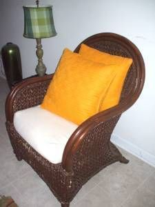 ****REDUCED: QUEEN RATTAN Arm Chair - $120 (Metro Atlanta)