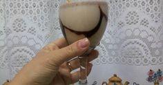 3 bombons sonho de valsa  - 1 lata de leite condensado  - 1/2 garrafa de pinga  - 1 latinha de guaraná  -