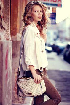 DIANA_DALBAN#BEAUTIFUL#MODEL#ROMANIAN#FASHION#HAIR#  MAKEUP#PHOTOGRAPHY#STYLE#COUTURE# Fotografía De Maquillaje, Fotografía De Moda, Bellas Modelos, Rumania, Vestirse Para Impresionar, Diana, Maquillaje De Cabello, Louis Vuitton, Alta Costura