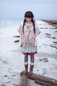 Lace shawlette over a raincoat. fawn and doll, japan, japanese fashion, jfashion, mori girl, cute fashion, kawaii, jpop fashion