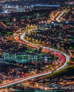 Beautiful view of Cape Town Highways lit up at night South Africa Safari, Visit South Africa, Cape Town South Africa, Cape Town Photography, Travel Photography, Cities In Africa, World Cities, Night City, Africa Travel