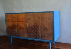 Metamorfoza komody Retro Basset z lat 60 - tych - Rub & Paint Credenza, Buffet, Cabinet, Retro, Storage, Painting, Furniture, Vintage, Home Decor