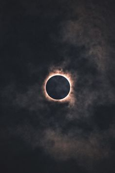 Black Aesthetic Wallpaper, Aesthetic Backgrounds, Aesthetic Iphone Wallpaper, Aesthetic Wallpapers, Dark Wallpaper, Galaxy Wallpaper, Wallpaper Backgrounds, Jupiter Wallpaper, Solar Eclipse Photography