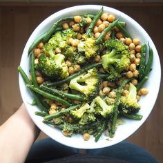 Chickpeas, green beans, broccoli and pesto bowl More