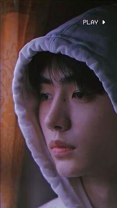 Cr. naitchuuu/TikTok || #ENHYPEN #Sunghoon #ParkSunghoon #ENHYPEN&Hi #Kpop #Kpopedit #videoedit #Tiktok Bh Entertainment, Kpop Gifs, Fandom Kpop, Im Falling In Love, Kpop Couples, Sung Hoon, Aesthetic Videos, Cute Korean, Cute Faces