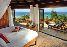 #rethink_hotels  - great linens are a must, but the view is what makes you rethink whether you are at home or in a hote;