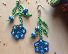 Mexican earrings flower handmade beaded by huichol ethnic Flower Earrings, Beaded Earrings, Crochet Earrings, Beaded Necklaces, Mexican Flowers, Art Perle, How To Make Necklaces, Beaded Jewelry Patterns, Seed Bead Jewelry