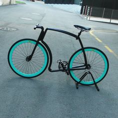 Viks Bicycle // Gloss Black Frame + Green Rims + Black Tires (Chain, Fixed Gear, Small)