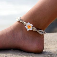 Anklets Hemp anklet made to order. - Hemp anklet made to order. Ankle Jewelry, Hemp Jewelry, Beach Jewelry, Cute Jewelry, Jewelry Accessories, Jewelry Design, Gold Jewelry, Fashion Accessories, Beach Bracelets