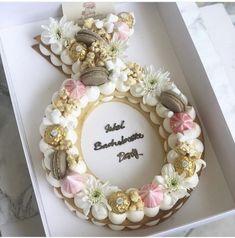 Recipe number cake easy to make - Amourducake Purple Wedding Cakes, Elegant Wedding Cakes, Elegant Cakes, Cake Wedding, Gold Wedding, Engagement Cake Design, Engagement Cakes, Number Birthday Cakes, Number Cakes